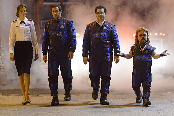Michelle Monahan, Adam Sandler, Josh Gad, and Peter Dinklage in Pixels