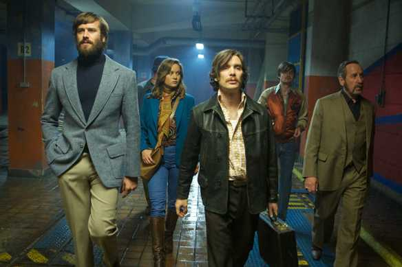 Armie Hammer, Brie Larson, Cillian Murphy, Sam Riley, and Michael Smiley in FREE FIRE