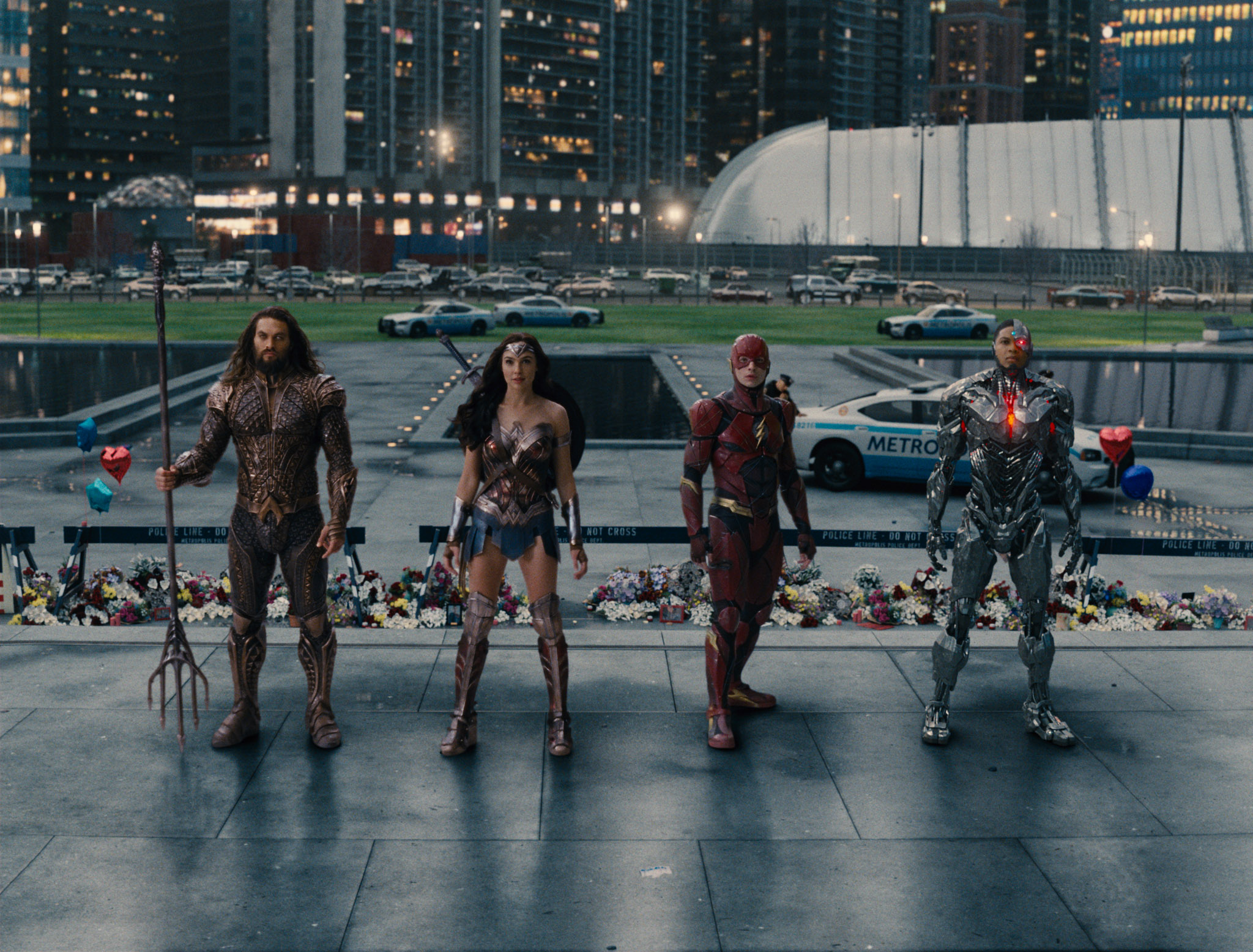 (L-r) JASON MOMOA as Aquaman, GAL GADOT as Wonder Woman, EZRA MILLER as The Flash and RAY FISHER as Cyborg in Warner Bros. Pictures' action adventure