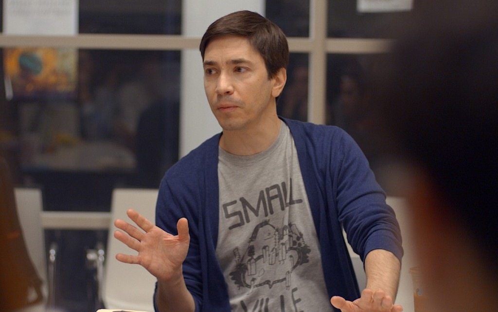 Justin Long tries to manage students in the film After Class